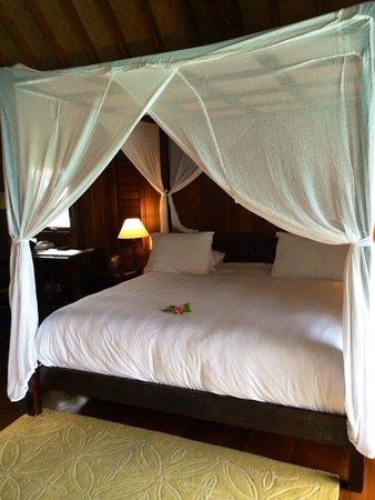 Conrad Bora Bora Nui: King size bed