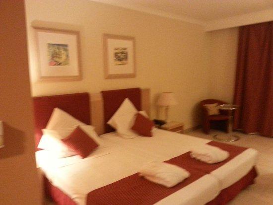 Maritim Antonine Hotel & Spa : Bedroom