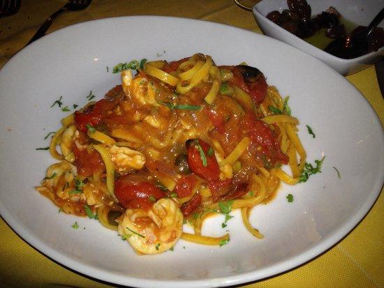 L'Immagine Ristorante Bistrot : Tagliolini con pomodorini pachino gamberetti e zucchini
