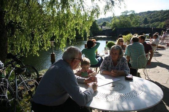 Swan Hotel & Spa: Riverside dining