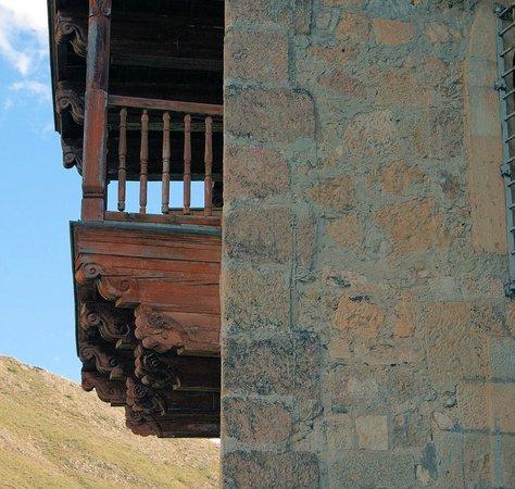 Museo de Arte Abstracto Espanol : Casas Colgadas