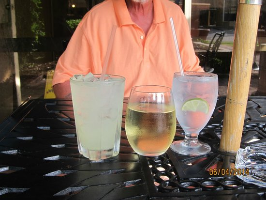 The Caravelle Resort: our daily order at Liquids