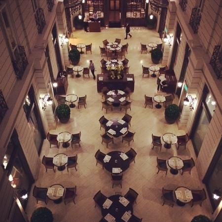 Corinthia Hotel Budapest: restaurant below
