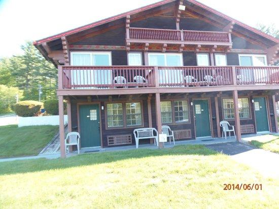 Swiss Chalets Village Inn: Hotel rooms