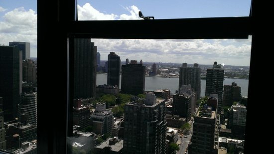 Dumont NYC–an Affinia hotel: Great view of the Hudson
