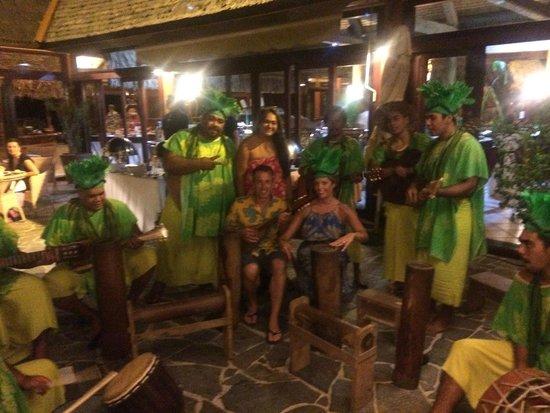 Hilton Moorea Lagoon Resort & Spa : tiki band fun