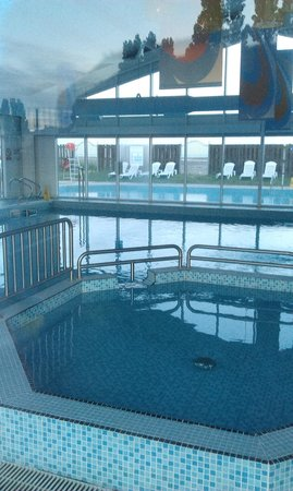 Swimming Pool Picture Of Parkdean Resorts Coopers Beach Holiday Park Mersea Island