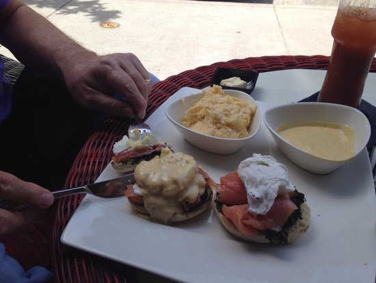 Shakespeare and Co.: Smoked salmon Benedict, and cheese grits.