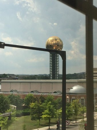 Hampton Inn & Suites Knoxville - Downtown: Right view from rm 405