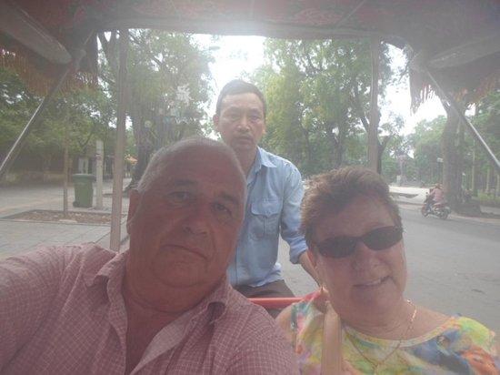 Mausolée de Hô Chi Minh : Rickshaw to Mausoleum