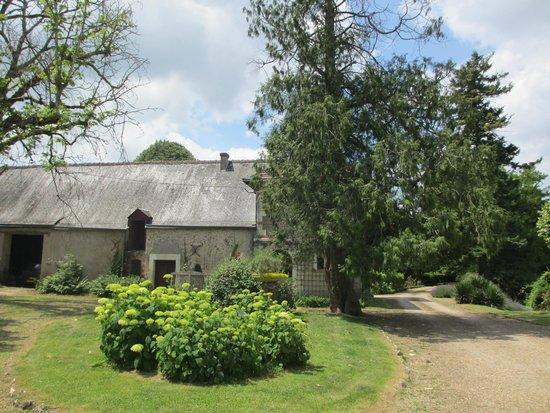Chateau de la Villaine : On the grounds of the Chateau