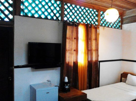 Lizard King Hotel Resort: Cable Television in all Rooms