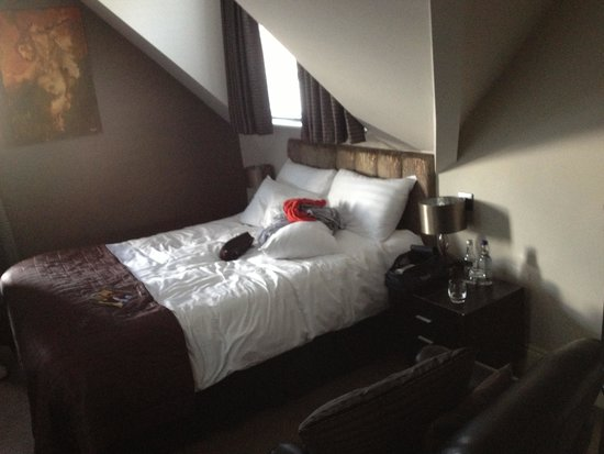 The Urban Beach Hotel: Bedroom