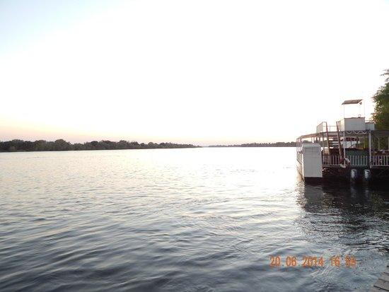 Victoria Falls Waterfront: Vom Bootsstieg aus