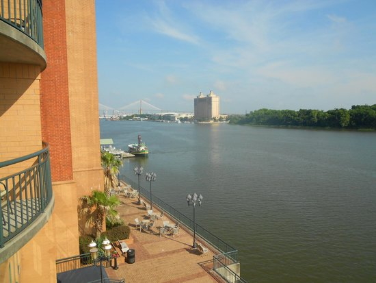 Savannah Marriott Riverfront : The view from room 460 river front side.