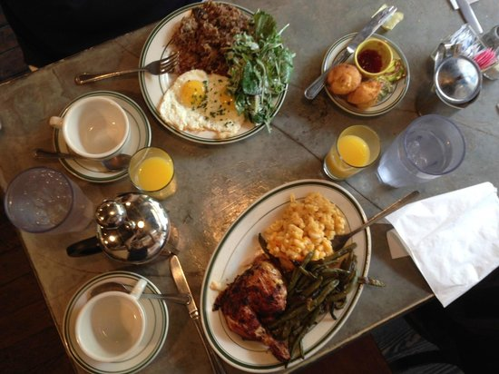 Peter's Since 1969 : Great food, just forget the coffee