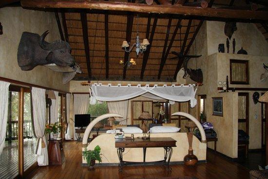 Mkuze Falls Lodge: our suite