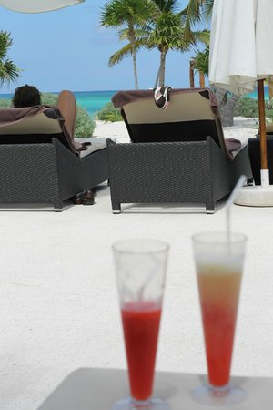 Secrets Maroma Beach Riviera Cancun: Relaxing Poolside
