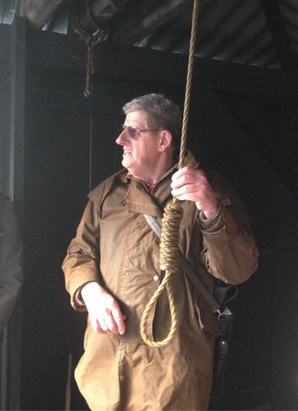 Hobart Convict Penitentiary: Barry with the noose!