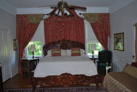 Devereaux Shields House: Guest room