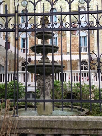 Hotel Helvetia: A walk around Lido