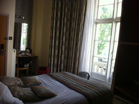 Duke of Leinster Hotel : habitación