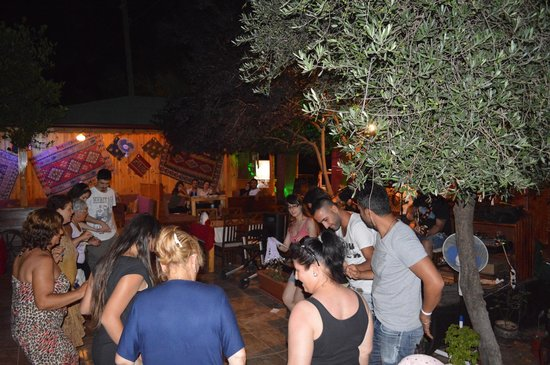 Olympos Divasa Hotel: people dancing at garden & live music