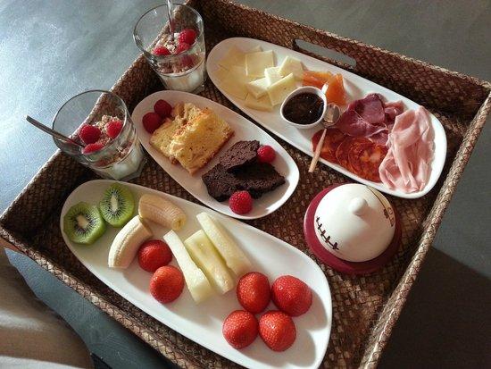 InPatio Guest House: Breakfast!