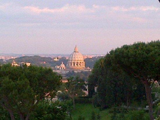 Rome Cavalieri, Waldorf Astoria Hotels & Resorts: View from the Calalieri
