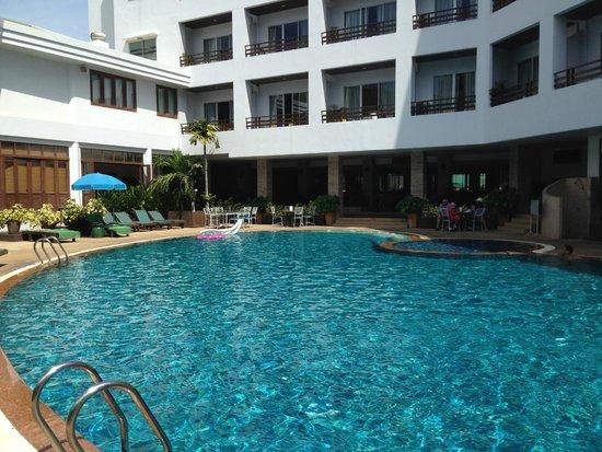 Areca Lodge: Main Pool
