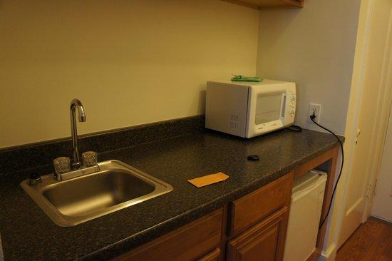 Hotel Mayflower: kitchenette