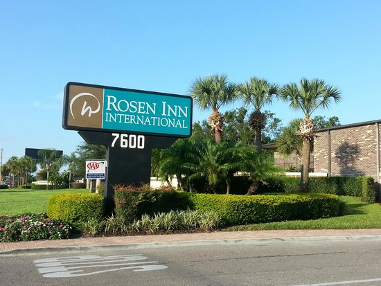 Rosen Inn International: back entrance