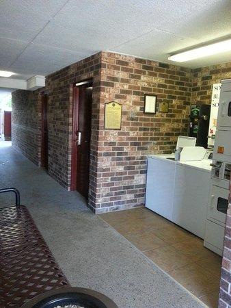 Rosen Inn International : laundry