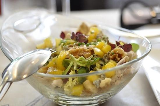 La Azotea: chicken and blue cheese salad