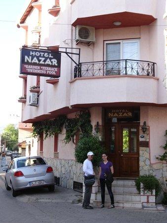 Hotel Nazar : street front hotel
