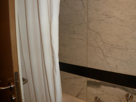 Maritim proArte Hotel: banheiro bom