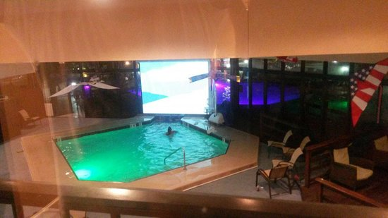 Holiday Inn Corpus Christi Downtown Marina: They were showing some Ice Age movie Saturday night, nice touch!