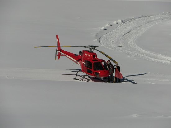 Helicopter that landed on Top of Europe (outside Jungfraujoch)