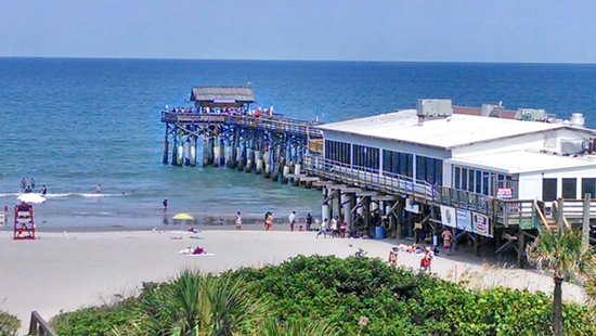 La Quinta Inn & Suites Cocoa Beach Oceanfront : the pier from the room
