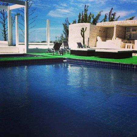 Lotus Club Hotel : Piscina