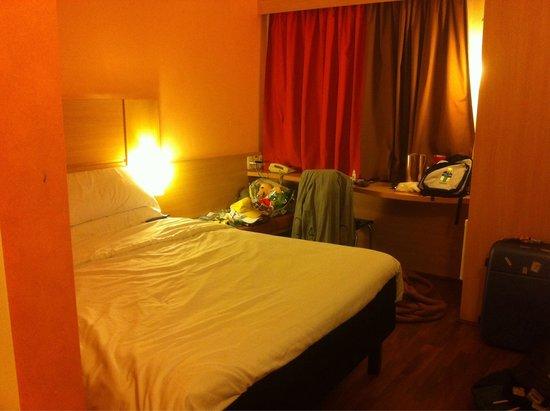 Ibis Paulista: Las habitaciones son pequeñas pero cómodas