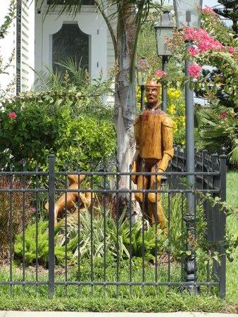 "Galveston Historic Tour : Tin-Man (from ""Wizard of Oz"") tree stump carving."