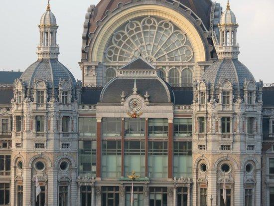 Radisson Blu Astrid Hotel, Antwerp: Great view of Central Station