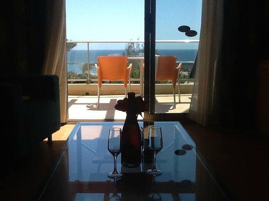 Hotel Elba Carlota : Soggiorno e terrazza con vista mare