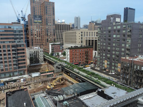 Hotel Americano: View of High Line from the roof