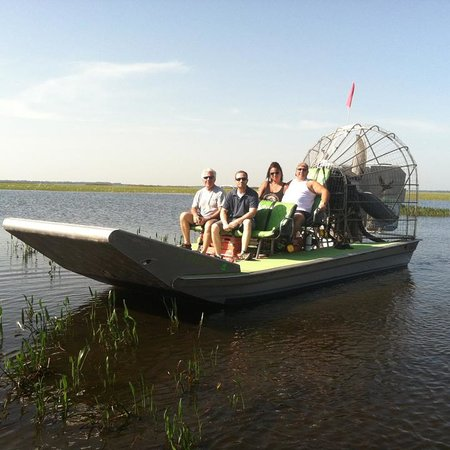 Wild Willy's Airboat Tours: The Captain got into the water to take this pic.