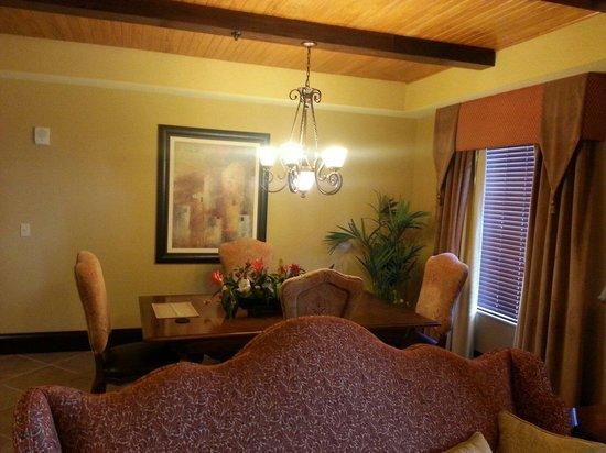Wyndham Bonnet Creek Resort: Dining Area 1 bedroom presidential room 1106