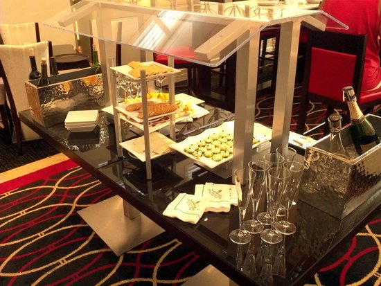 Inn on Fifth : Club level Snacks