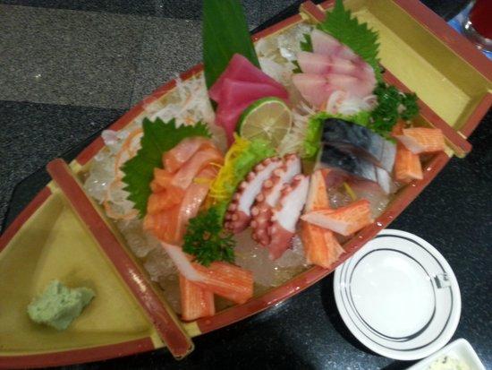 Fuji Japanese Restaurant - Jungceylon Patong: fresh sashimi