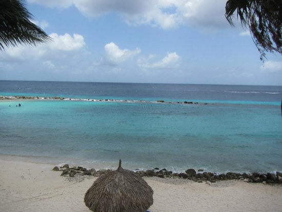 Curacao Marriott Beach Resort & Emerald Casino: View from 3rd floor beachfront room.